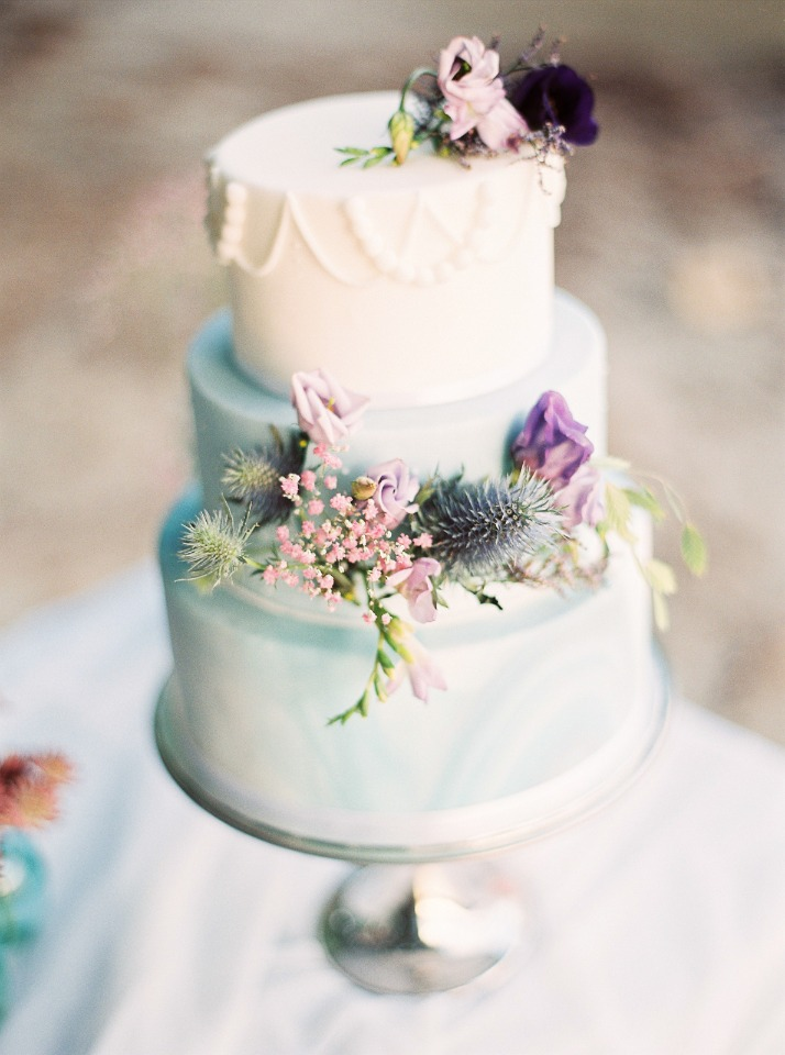 Elegant blue, white and grey wedding cake