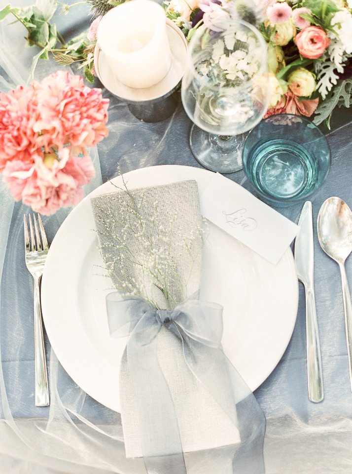 Grey and white place setting idea