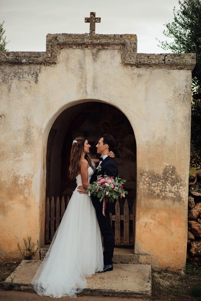 wedding couple in the Italian countryside