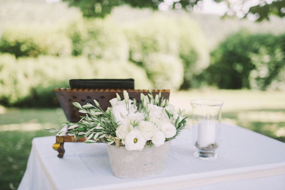 Cute ceremony table