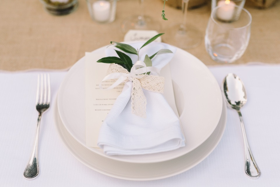Leafy green placesetting idea
