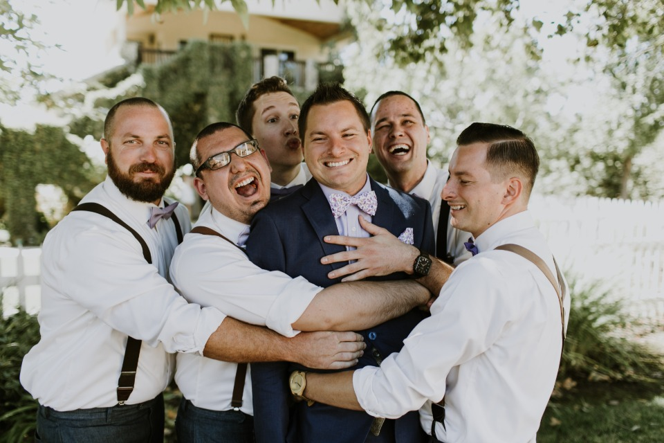Fun groomsmen photo idea