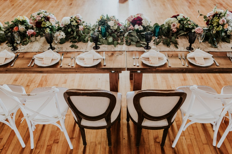 Head table decor and details