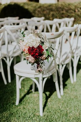 Literary Charm Filled Outdoor Wedding For The Bookworms In Love