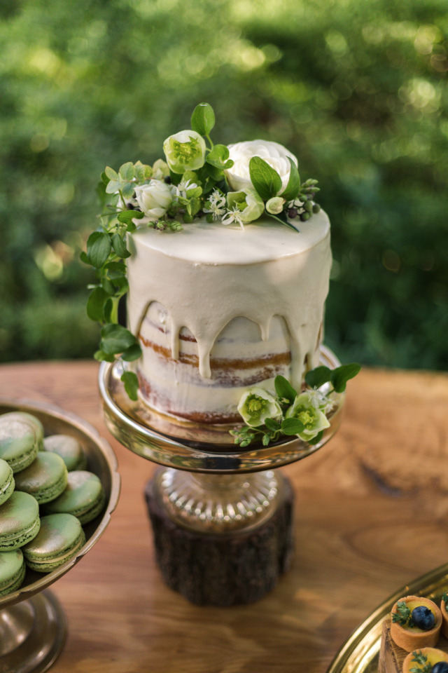 drizzle top naked wedding cake