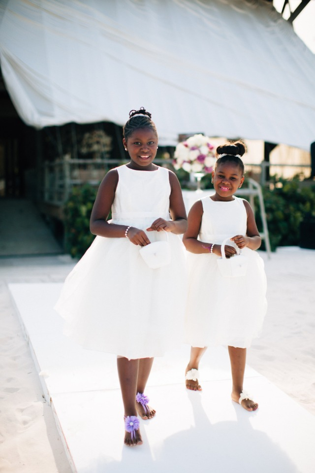 flower girls in barefoot sandals