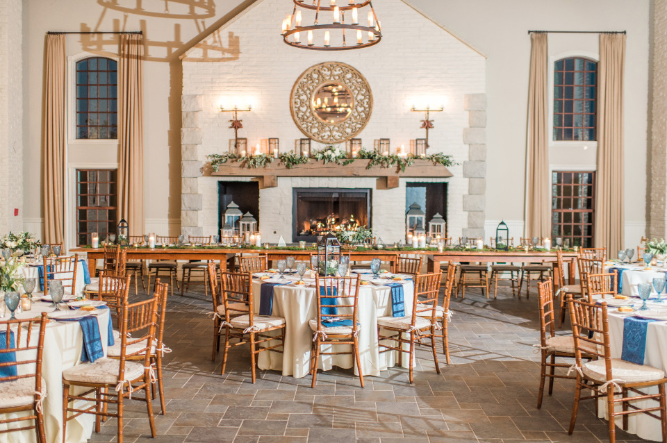 Natural chic reception space
