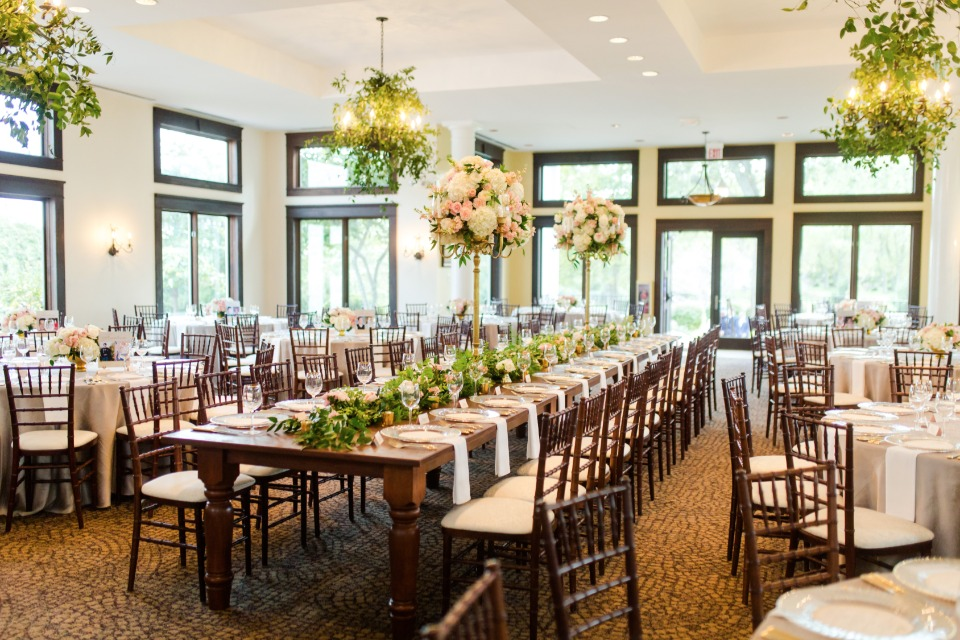 Naturally elegant indoor reception