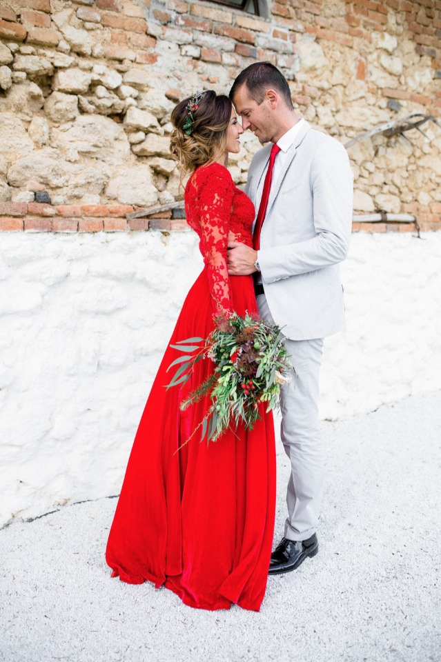 bright red wedding dress from Eva Poleschinski