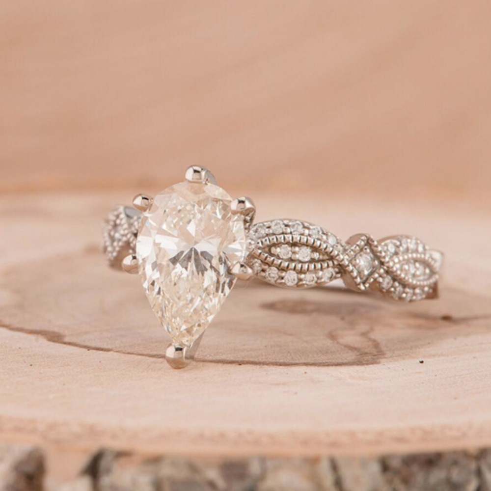 winter wedding proposals and pretty engagement rings - Pretty Wedding Rings