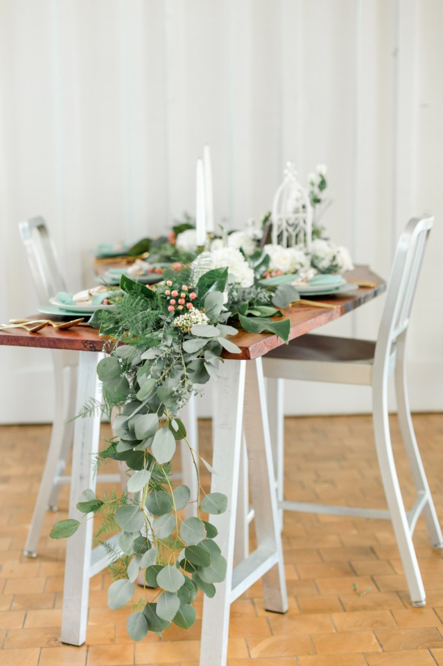 chic and vintage style wedding table
