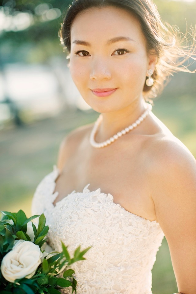 simple and chic wedding makeup