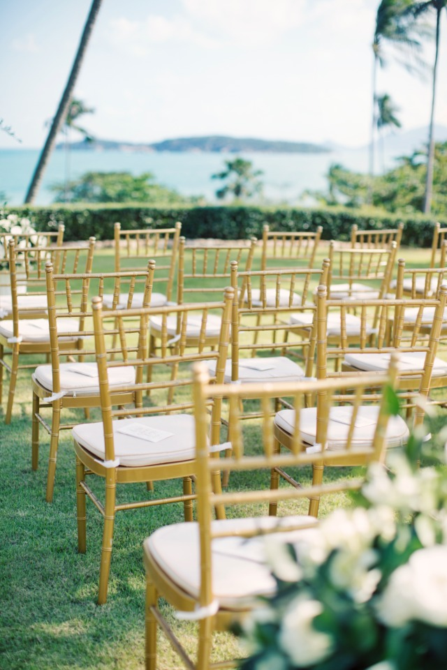 elegant gold chairs at the wedding ceremony
