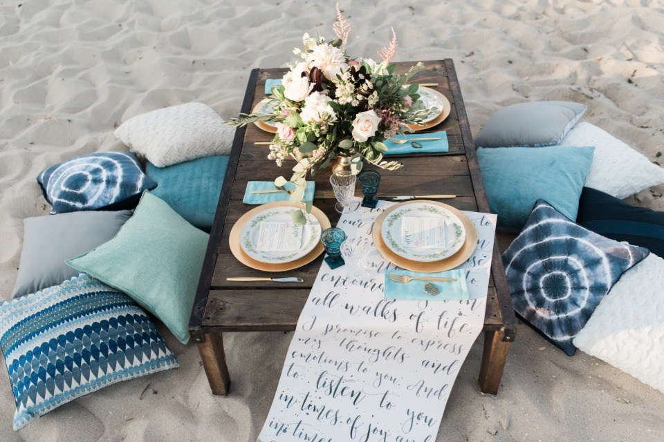 Styled beach reception idea