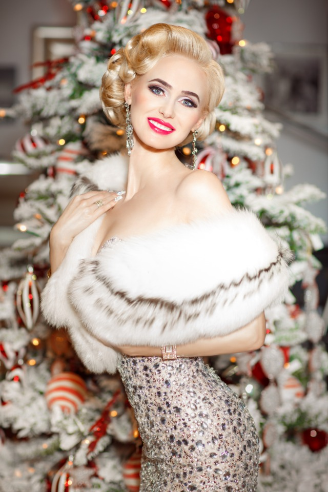 glam christmas made better with a white smile