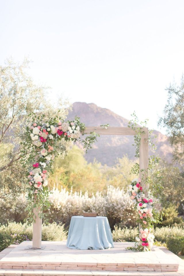Chic outdoor pink and blue ceremony
