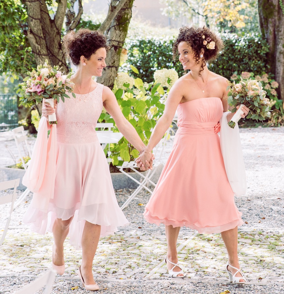 Romantic chic pink and gold twin sister double wedding in italy twin sisters double wedding junglespirit Choice Image