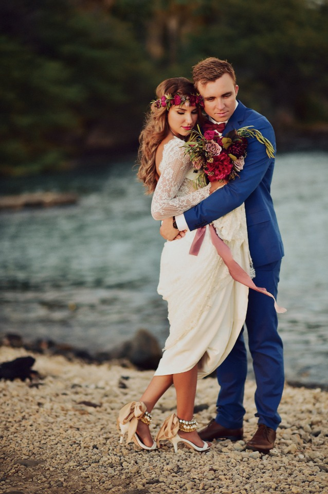Beautiful and romantic Hawaiian wedding