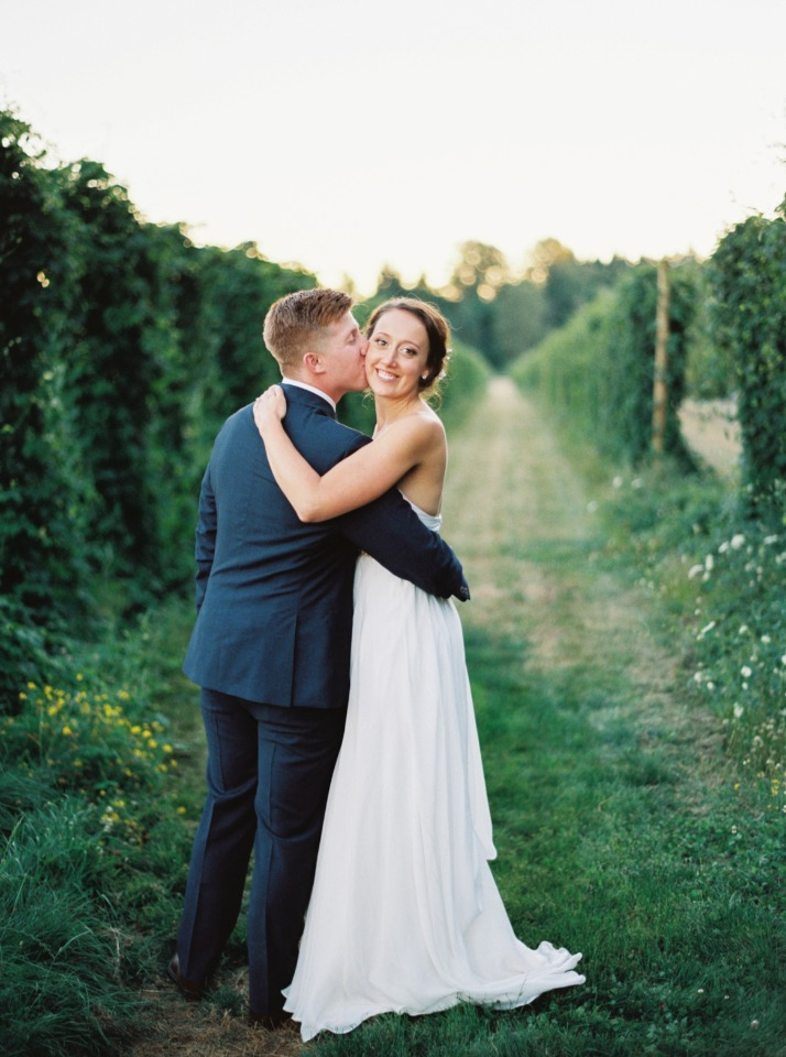 Love this romantic outdoor wedding