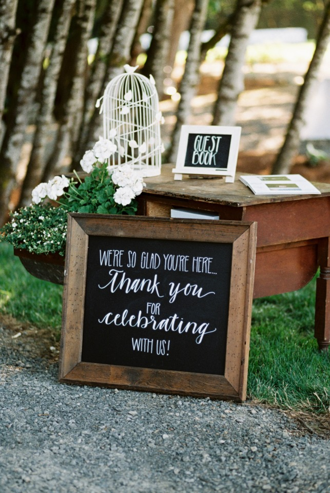Cute wedding sign ideas