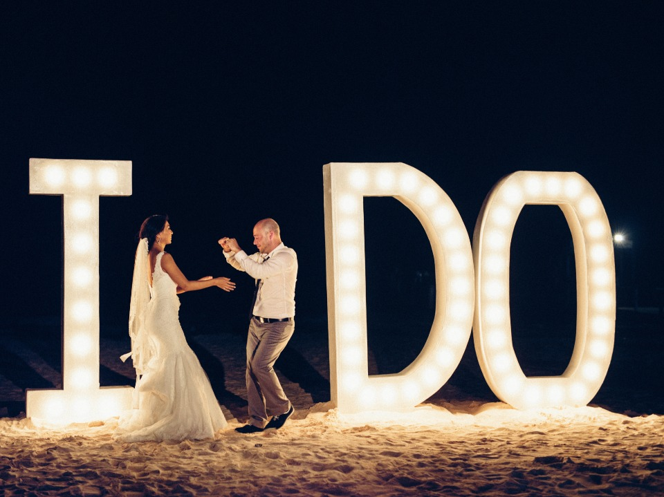 "giant ""I do"" marquee sign"