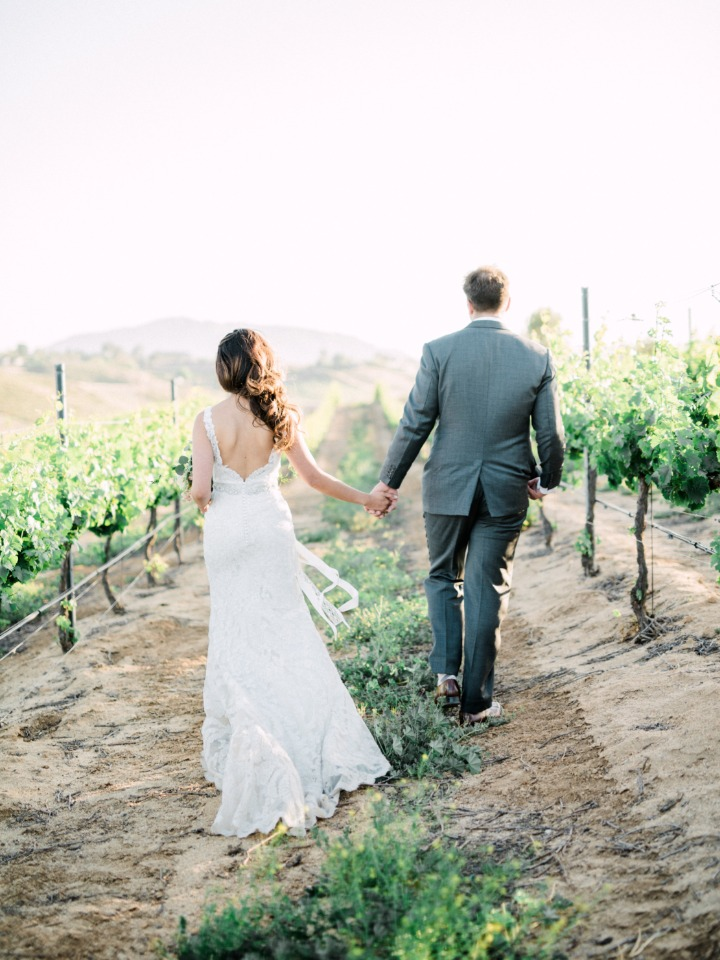vineyard wedding couple