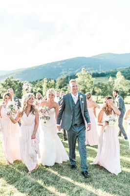 Super Elegant and Dreamy Natural Blush Outdoor Vineyard Wedding