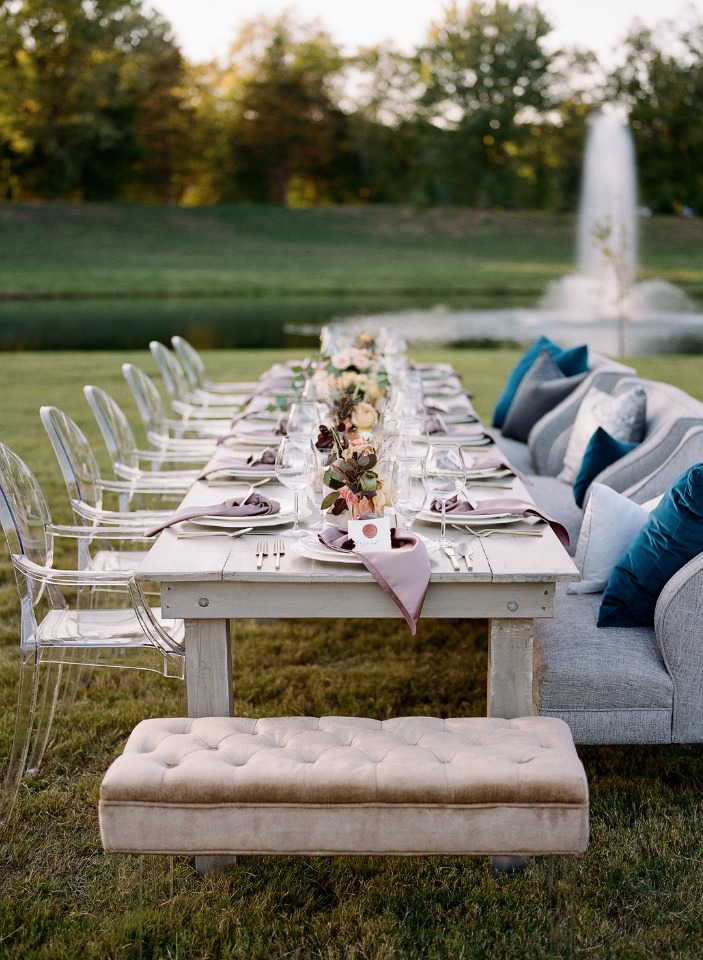 outdoor wedding table set up