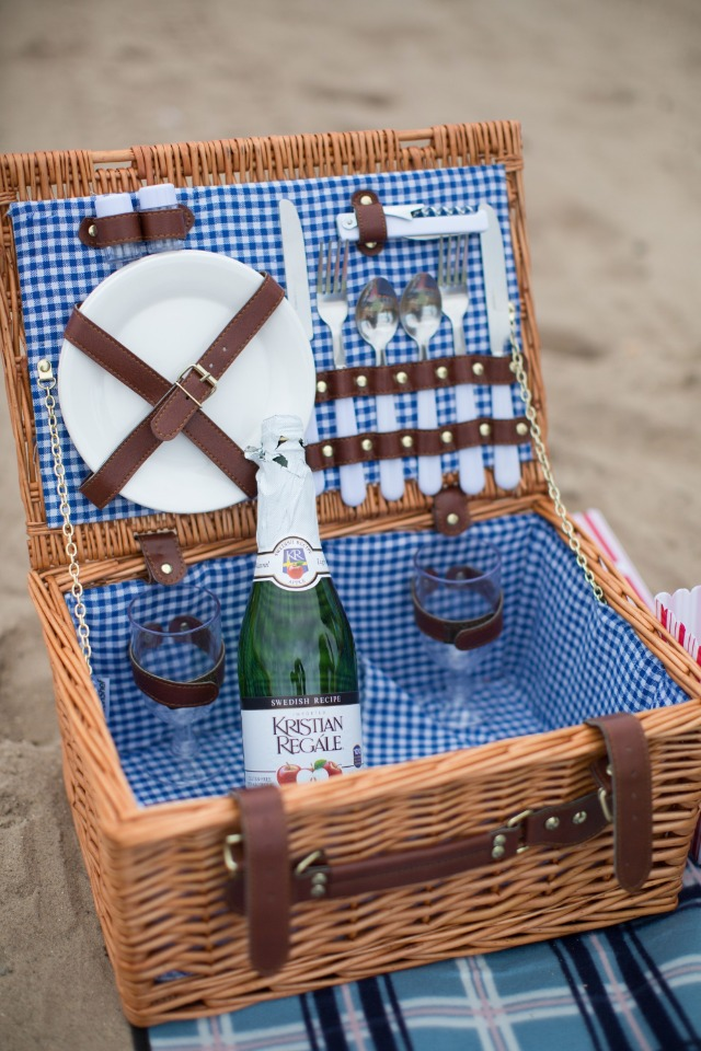 Engagement beach picnic