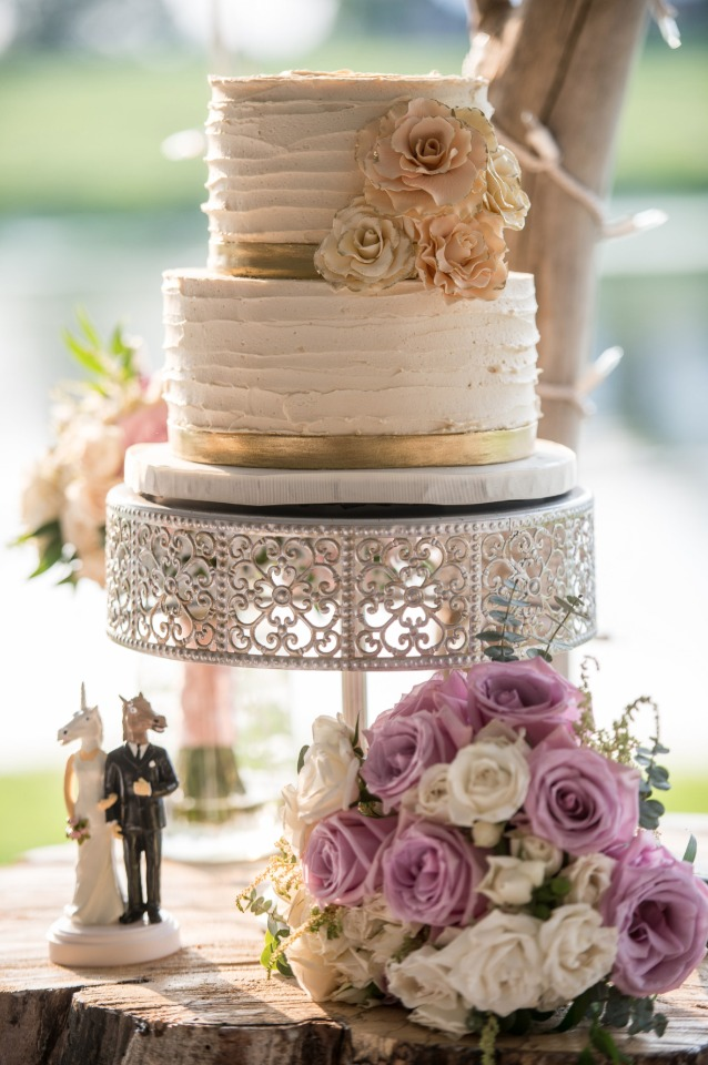 rustic gold accented wedding cake.