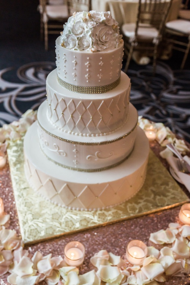 classic and romantic gold wedding cake
