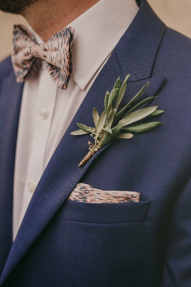 Simple greenery boutonniere