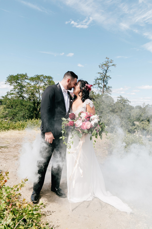 smokebomb wedding photo