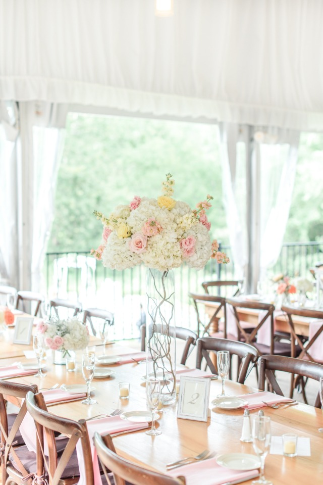 blush and pink table decor