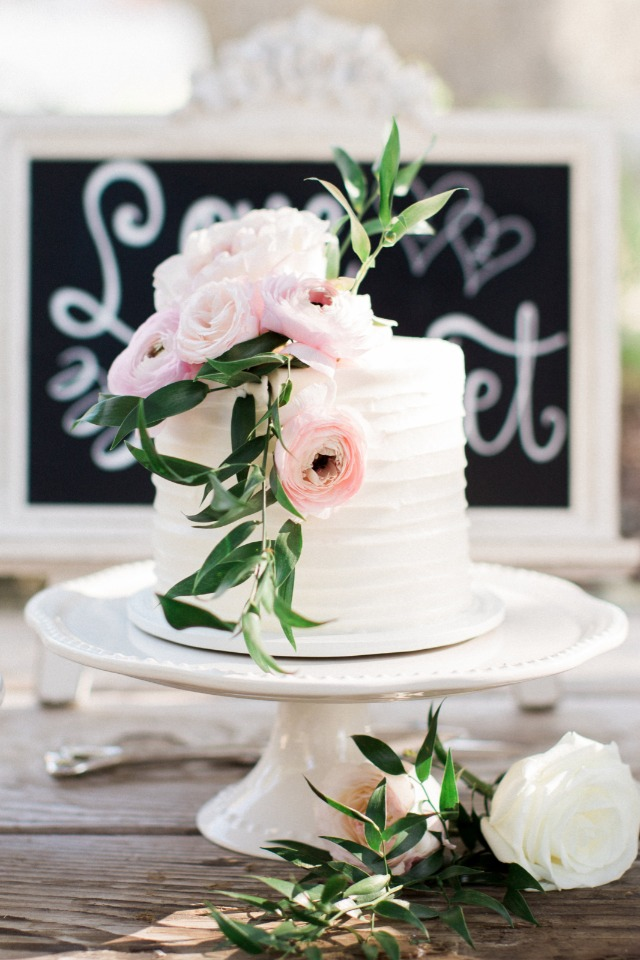 simple and sweet mini wedding cake