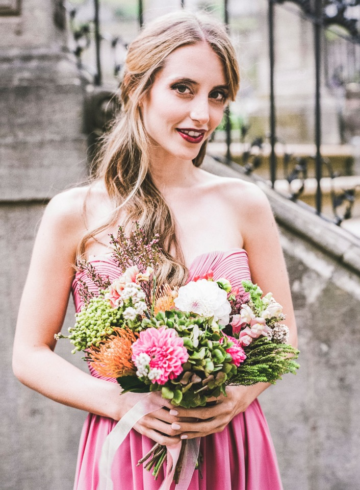 sweet garden style bridesmaid look