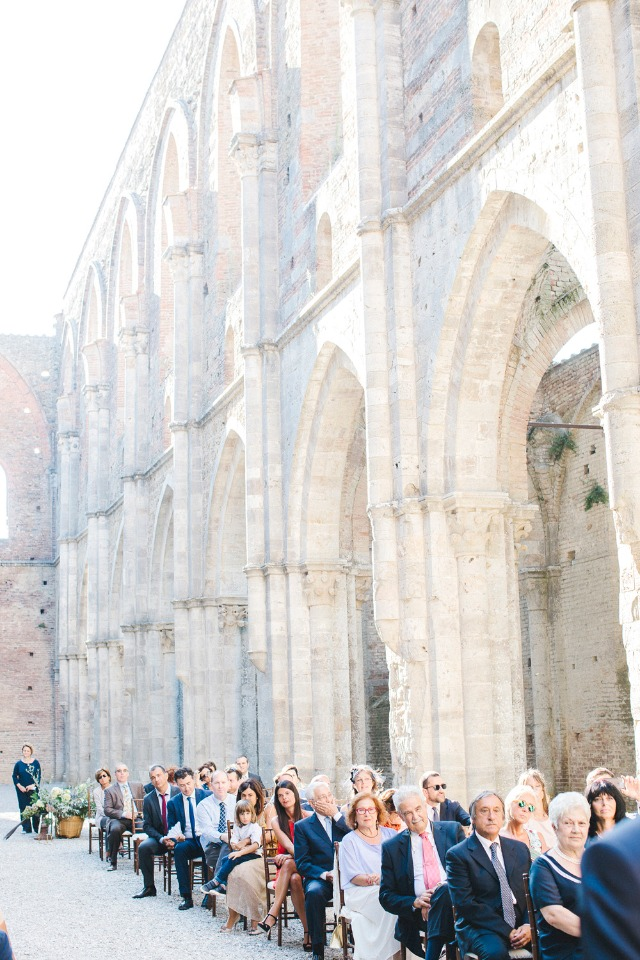 wedding ceremony in the ruins of the Abby of San Galgano