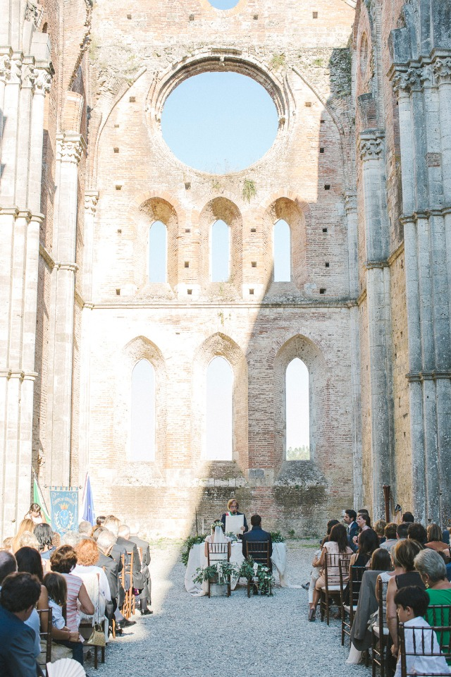 indoor outdoor wedding ceremony in an Italian ruins