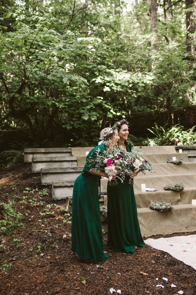 Bridesmaids in forrest green