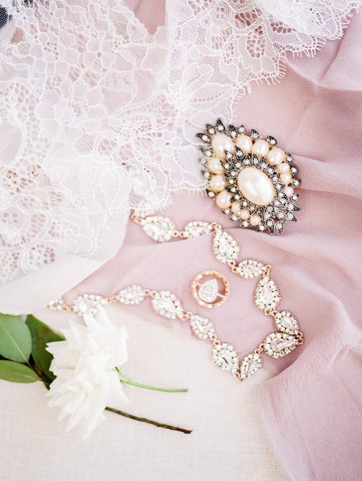 bouquet broach and wedding jewelry