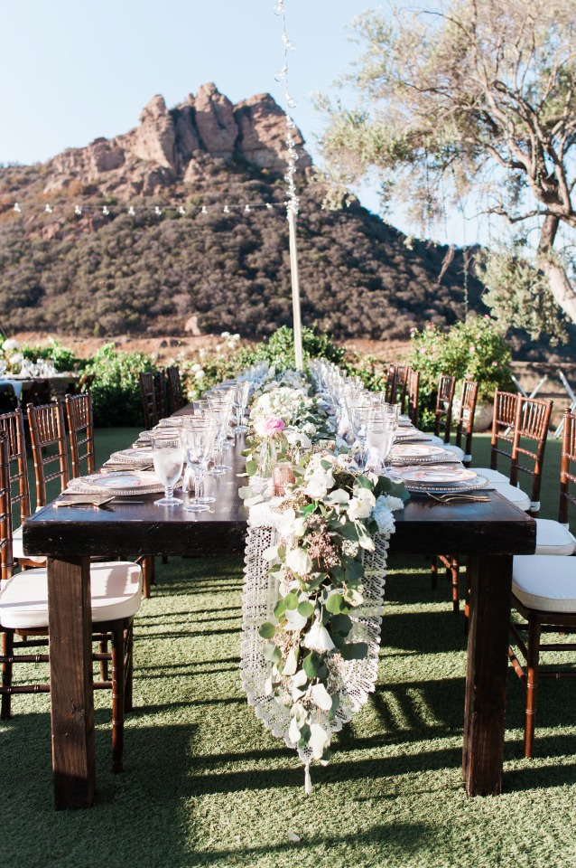 family style dining for your outdoor reception