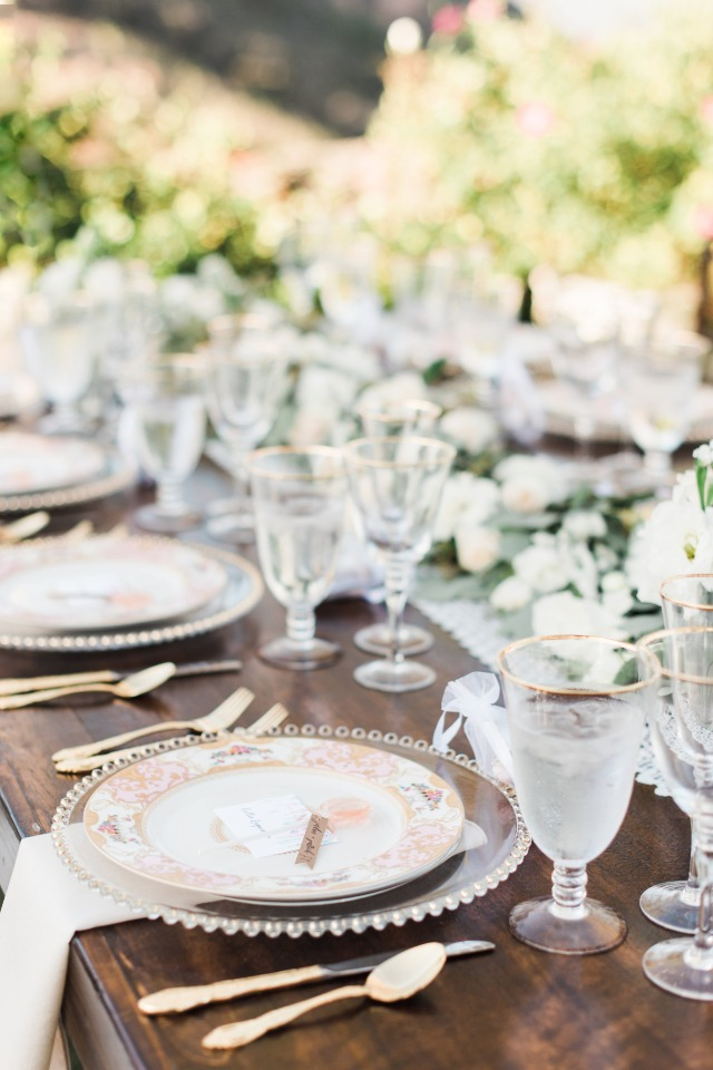 garden party glam table decor