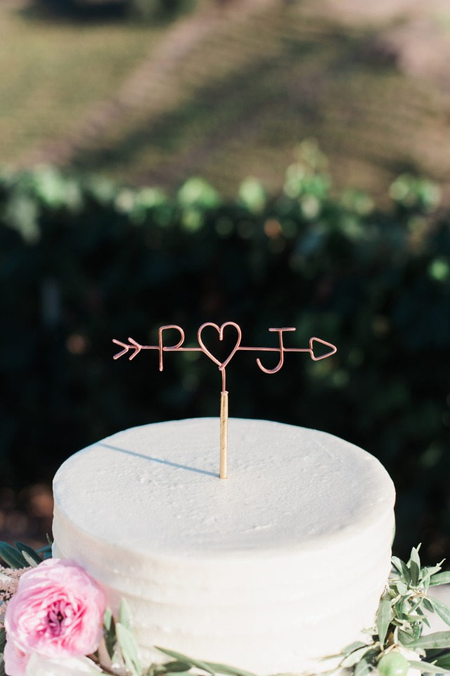 simple and chic copper wire cake topper