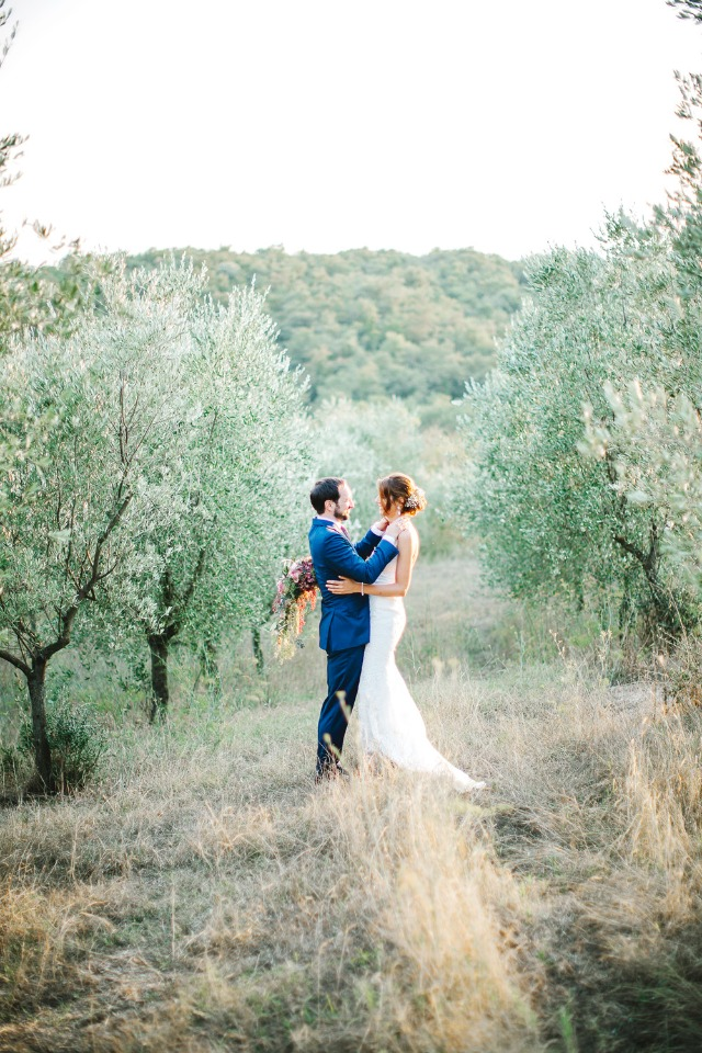 Elegant outdoor wedding in Italy