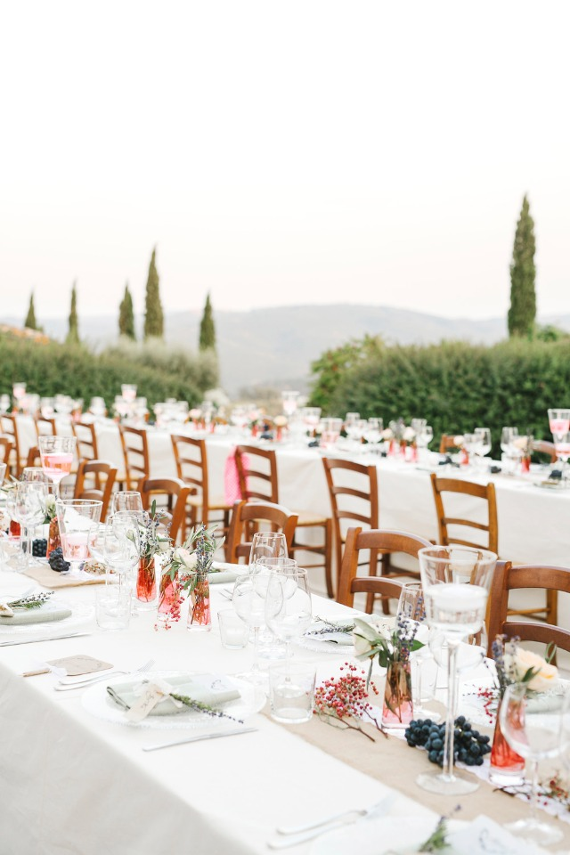 Simple and elegant outdoor reception