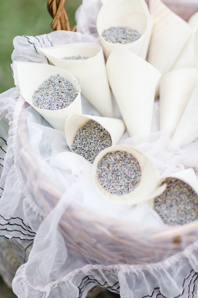 lavender toss for wedding ceremony