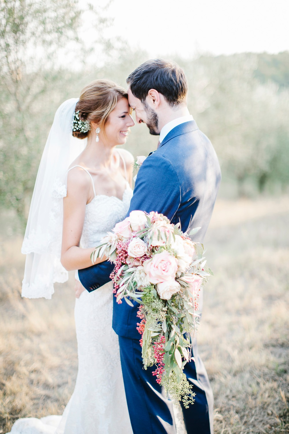 Warm and blissful Tuscan wedding
