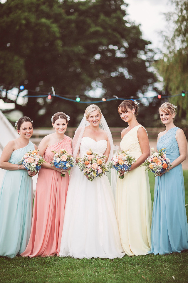 Here\'s One Way to Keep The Cost Down For Your Bridesmaid