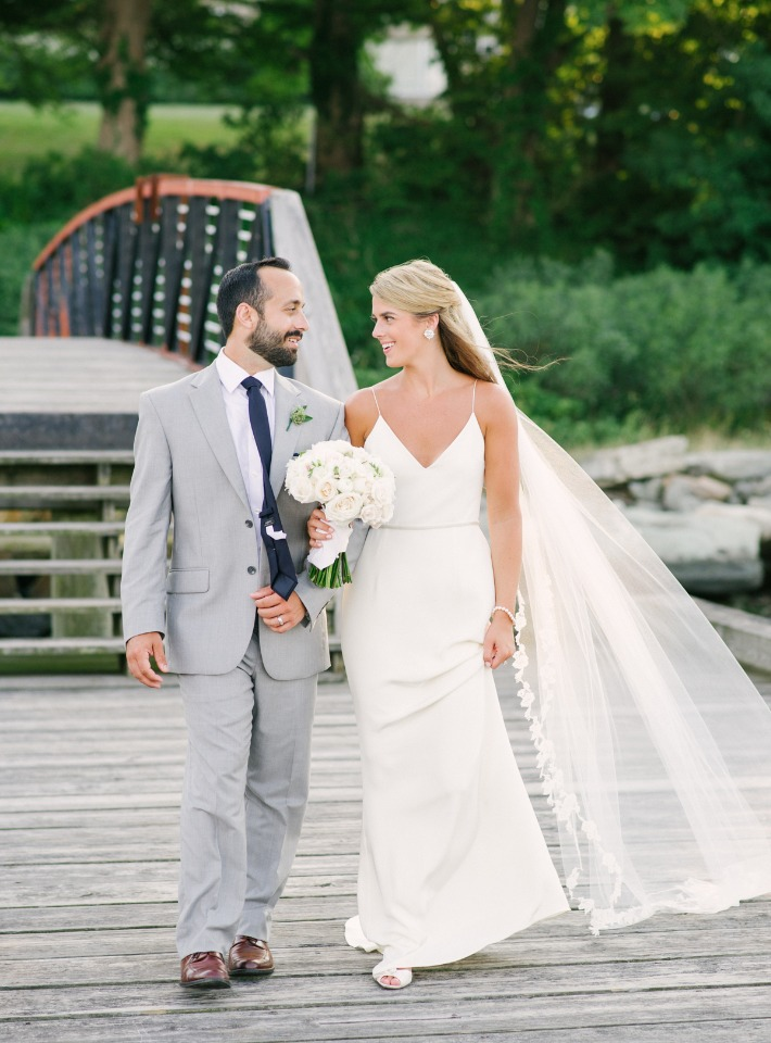 Don't miss this elegant outdoor wedding in Newport