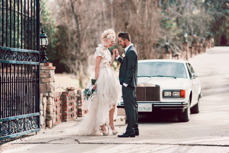 vintage car wedding getaway